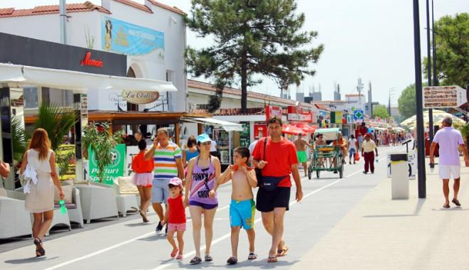 120.000 de turiști au invadat litoralul românesc - Galerie FOTO - 120000turisti7-1407082295.jpg
