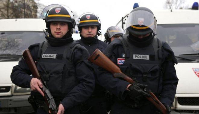 Foto: Atac în numele Statului Islamic în Franța. Împușcături și luare de ostatici într-un supermarket