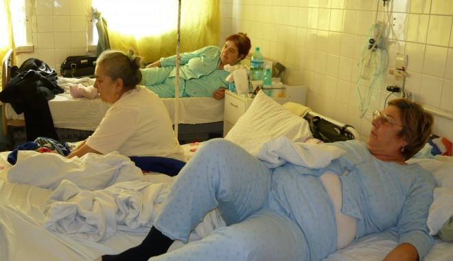 Foto: Căldură în saloanele Spitalului Judeţean, de astăzi