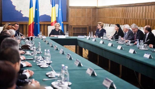 Foto: Guvernul se reuneşte în şedinţă; Iată ce se discută