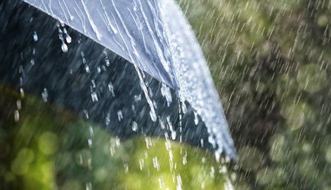 Foto: Ploile revin în weekend. Cum va fi începutul săptămânii viitoare