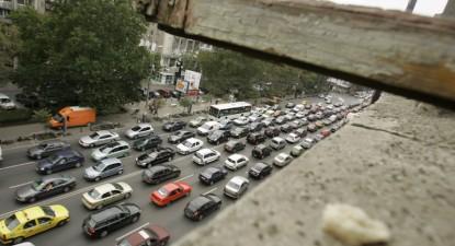 Foto: Declin pe piaţa auto – înmatriculările au scăzut cu 75%