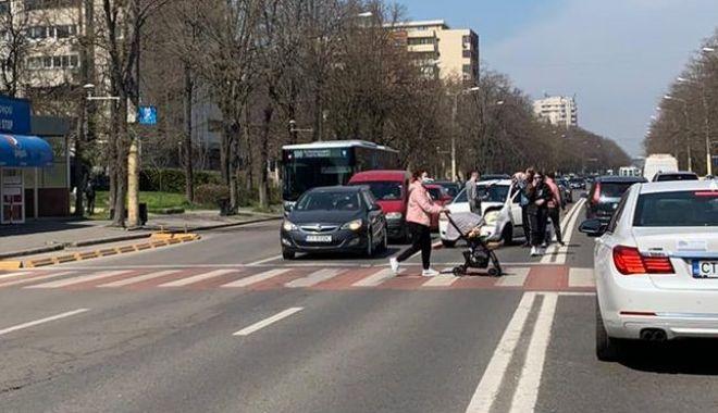 GALERIE FOTO / Accident rutier pe o arteră importantă a Constanței. O femeie a fost rănită - 13aprlapusneanuaccid3-1618312789.jpg