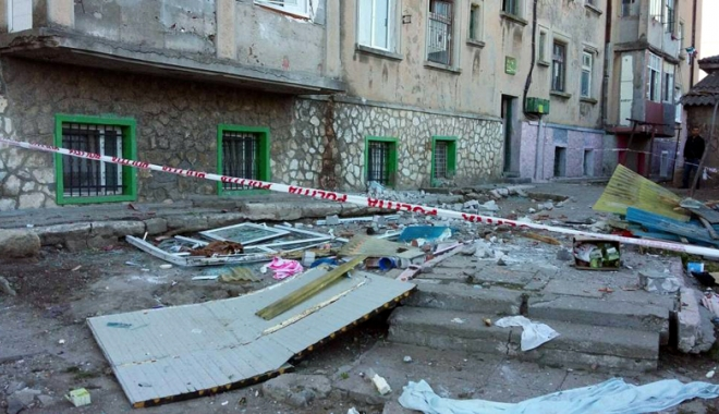 Foto: 13 locuinţe afectate după explozia unei butelii, la Medgidia