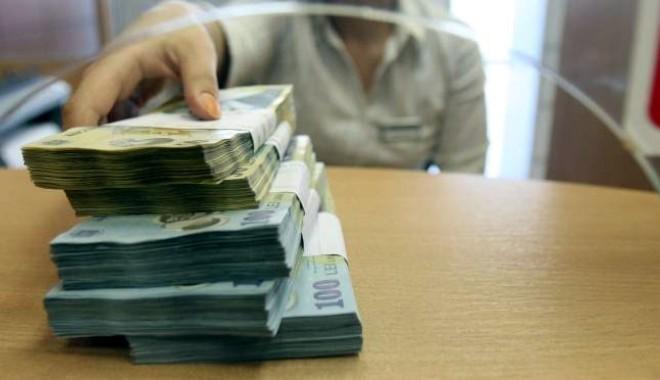 Foto: Ce riscaţi dacă faceţi un depozit bancar fără împuternicit