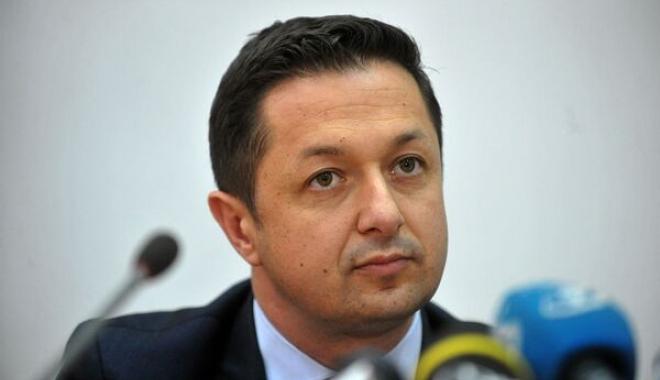 Foto: Ministrul Sportului: Avem nevoie de săli polivalente ca de aer