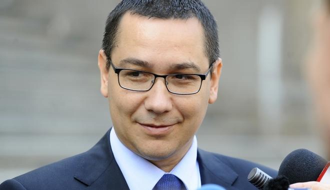 """Foto: Ponta: """"A fost Guvernul Dragnea 1, acum este Guvernul Dragnea 2"""""""