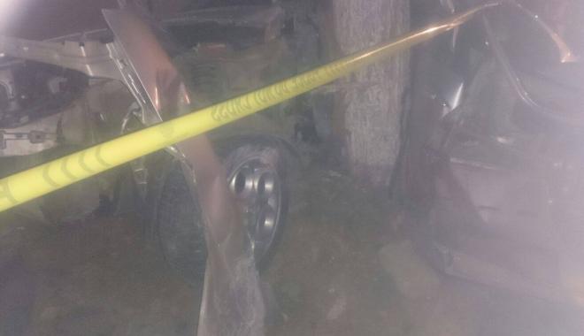 Foto: UPDATE. GRAV ACCIDENT RUTIER LA CONSTAN�A / Un b�rbat  A MURIT, alte trei persoane au fost r�nite