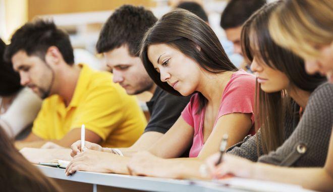 Foto: Ce soluții a găsit Ministerul Educației pentru rezolvarea problemelor studenților