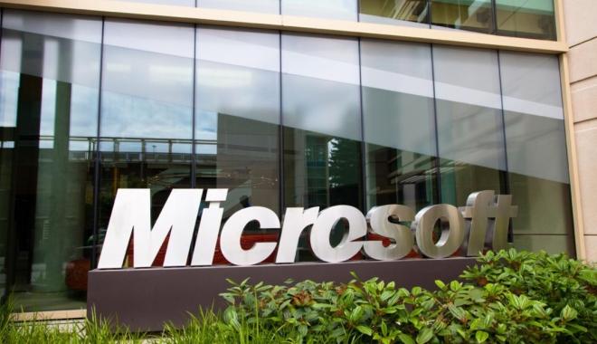 Foto: Un NOU dosar penal în cazul licenţelor Microsoft. Pe cine ACUZĂ procurorii DNA
