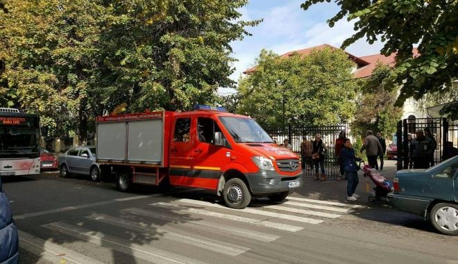 Foto: Pompierii din Constan�a, �n ac�iune, �n aceste clipe