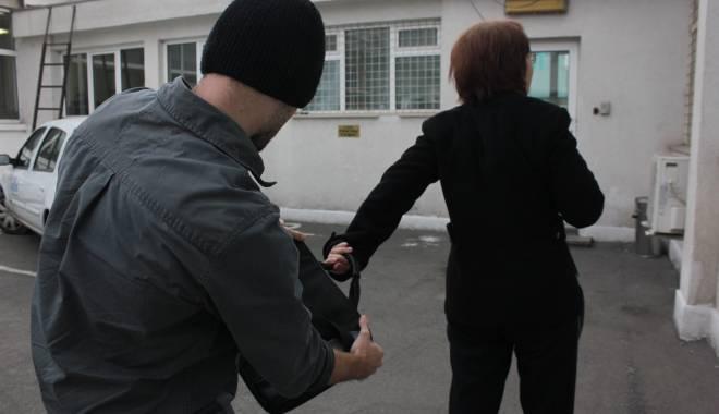 Foto: Pensionară atacată în Constanţa, pentru un cercel din aur
