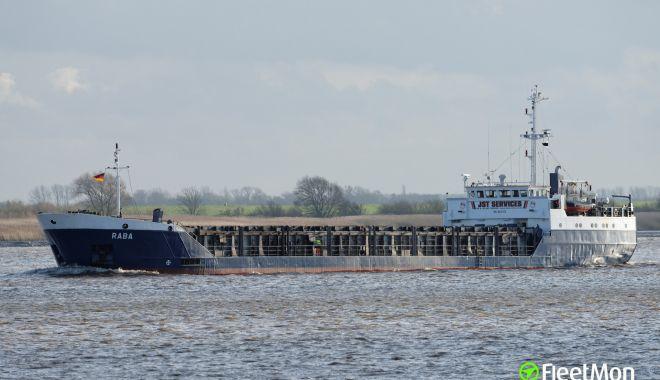 Foto: 14 marinari au fost răniți în urma coliziunii dintre două nave