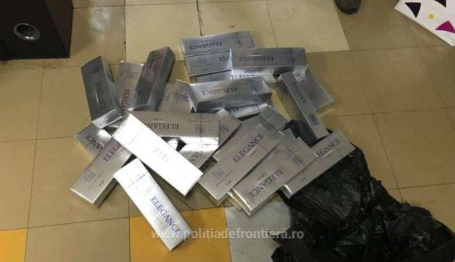 Foto: Ţigări de contrabandă, descoperite la Constanţa, la bordul unei nave