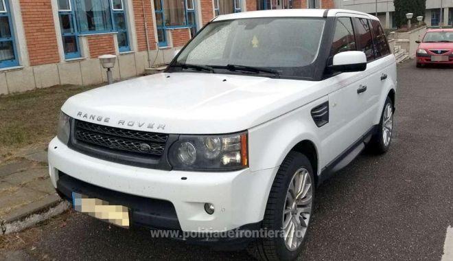Foto: Land Rover cu seria de șasiu modificată, descoperit frontieră