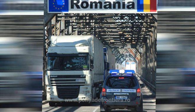 Foto: Prinşi în timp ce încercau să intre ilegal în România. Cât a costat un buletin fals!