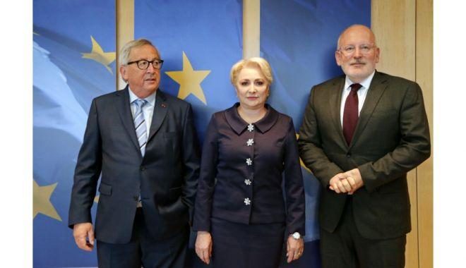 V. Dăncilă, la discuţii cu Juncker şi Timmermans. Le-a promis că nu mai modifică legile justiţiei - 1559651244big08resize-1559666039.jpg