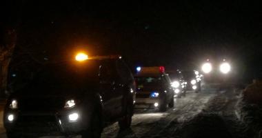 Foto: Peste 15 autoturisme româneşti blocate în Bulgaria,  în drum  spre Vama Veche