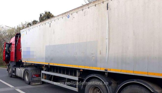 Încă un camion cu deșeuri oprit la graniță! - 15aprcamiondeseurinegruvoda-1618475944.jpg