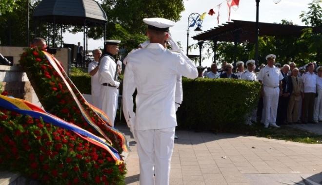 Foto: Eroii marinei militare, comemoraţi de Statul Major al Forţelor Navale