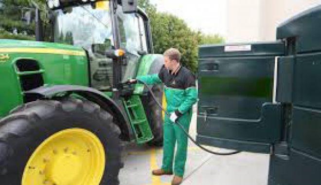 Foto: 16.185 de fermieri primesc ajutorul de stat pentru acciza la motorină
