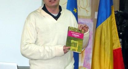 """Foto: Măştile lui Eminescu şi """"Cinema"""", dezvăluite de scriitorul Angelo Mitchievici"""