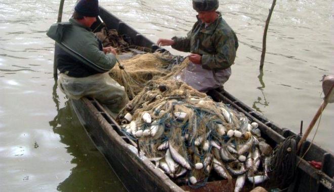 Foto: 16 grupuri de acţiune locală pentru pescuit vor primi 37,5 milioane euro