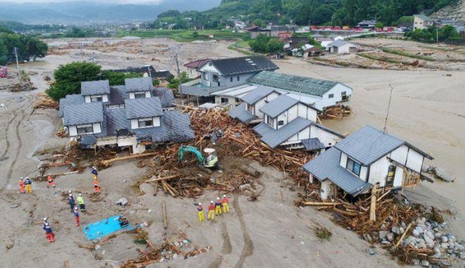 Foto: DEZASTRU NATURAL! 127 de persoane, DATE DISPĂRUTE după ploile torențiale