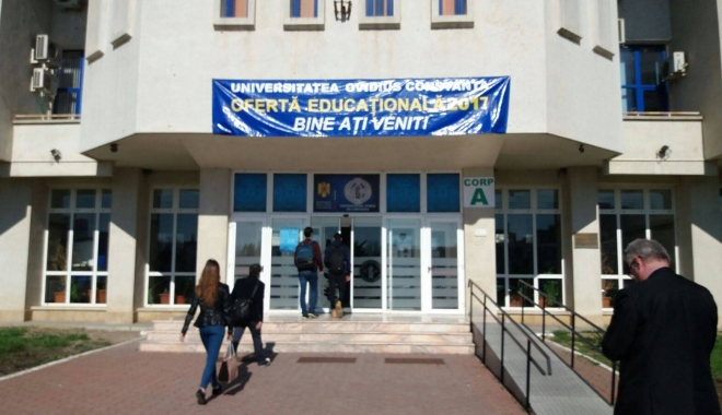 """Foto: FOTO. Zilele Porţilor Deschise la Universitatea """"Ovidius"""". Ce modificări apar în anul universitar 2017-2018"""