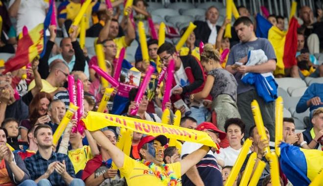 Foto: Suporterii naţionalei au ales unde să fie investit profitul FRF obţinut după partida cu Danemarca
