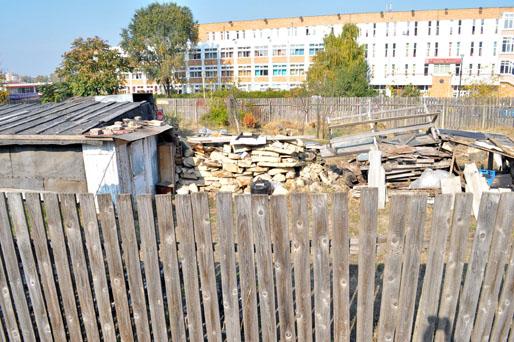 Foto: Parcul de la Casa de Cultură, tot o cloacă a rămas