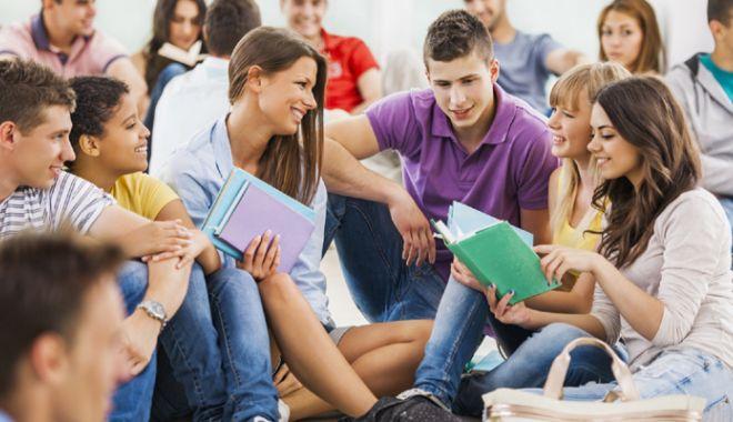 Foto: 17 state încalcă Directiva privind studenții și cercetătorii din afara UE