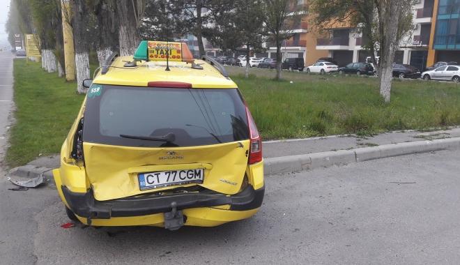 Foto: FOTO. ACCIDENT ÎNTRE DOUĂ AUTOTURISME, ÎN MAMAIA