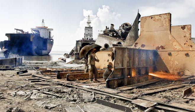Foto: 181 de nave, trimise la reciclare