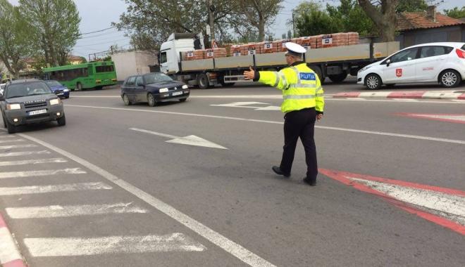 Foto: Razii de amploare la Constanţa, cu peste 400 de poliţişti