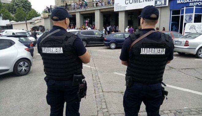 Foto: Jandarmii din Constanţa, prezenţi în zona Sălii Sporturilor