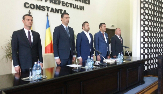 Foto: Noul prefect al judeţului Constanţa a depus jurământul în noua funcţie