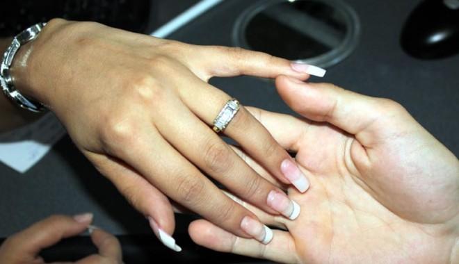 Foto: Concubini sau logodnici, cum e mai avantajos?