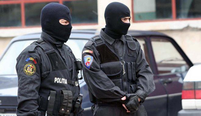 LUARE DE MITĂ ȘI ABUZ ÎN SERVICIU la Poliția Eforie. Șeful unității, sub control judiciar!