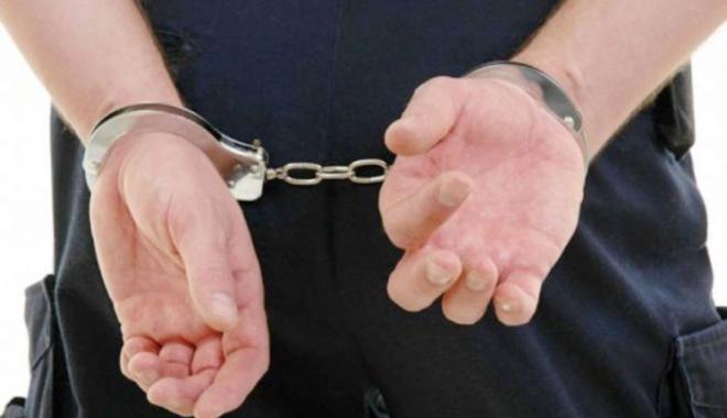 Foto: Reţinut de poliţiştii constănţeni după ce a furat un televizor