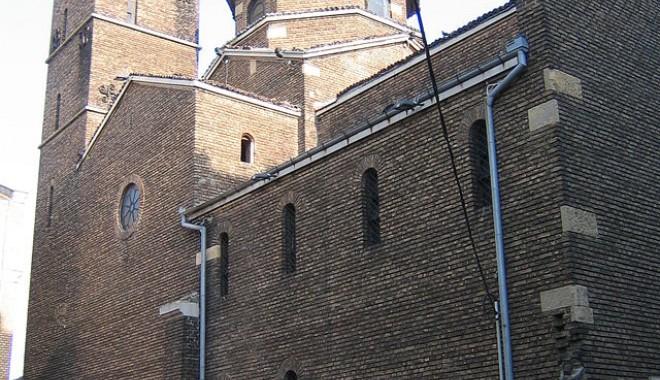 Foto: Cum a luat naştere Biserica Romano Catolică