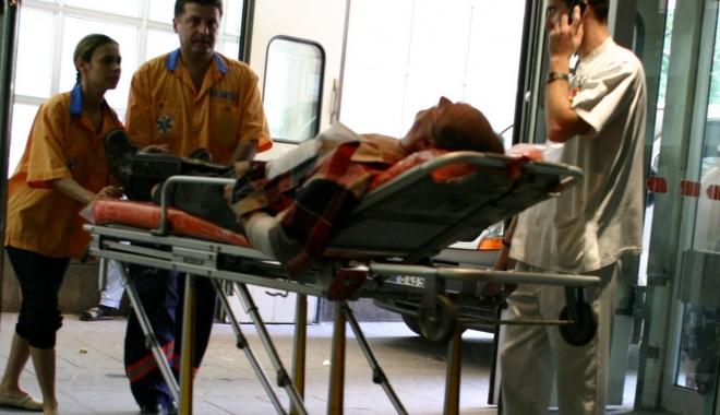 Foto: SPITALUL LUAT CU ASALT. Peste 2000 de pacienţi la UPU, de Rusalii