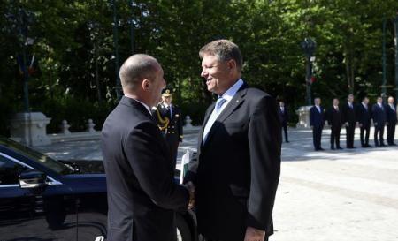 Foto: Preşedintele bulgar Rumen Radev, primit la Cotroceni de Klaus Iohannis