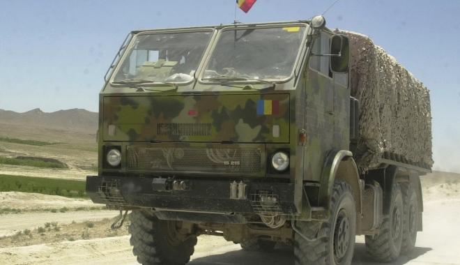 """Foto: Militarii au fost trimişi la moarte sigură. Camionul avea 37 ani vechime şi probleme tehnice. """"Militarii sunt prea decenţi să se plângă. Sunt expuşi zilnic unor riscuri vitale"""""""