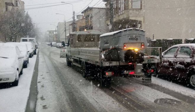 Foto: IARNA LA CONSTANŢA / Va continua să ningă! Autorităţile iau măsuri