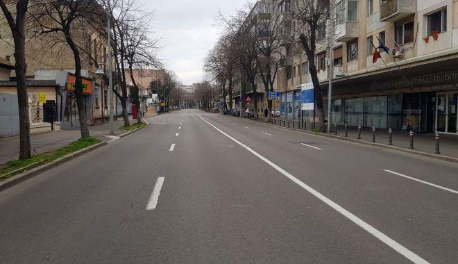 Reportaj: Constanța în CARANTINĂ TOTALĂ. Străzi pustii, poliția la datorie, afaceri cu lacătul pe ușă! GALERIE FOTO - 2-1585143603.jpg