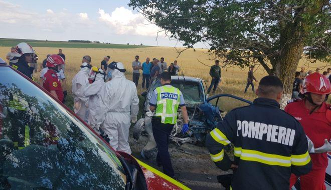 GALERIE FOTO / VIDEO. Accident între Ciocârlia și Cobadin! Sunt trei victime. O femeie decedată pe loc - 2-1591975802.jpg