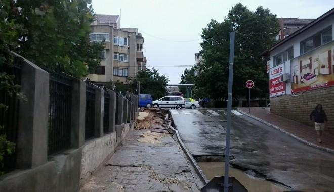 IMAGINILE DEZASTRULUI în județul CONSTANȚA / Nouă familii evacuate și peste 20 de străzi distruse / GALERIE FOTO - 20130630145428-1372666977.jpg