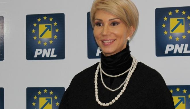 Foto: Raluca Turcan cere demisia ministrului Finanţelor şi preşedintelui ANAF
