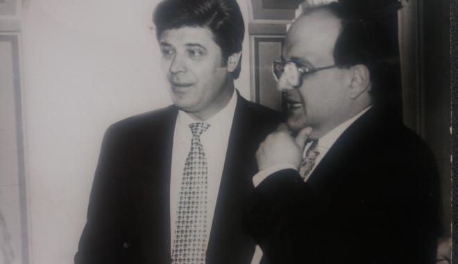 """Foto: Arhiva de Aur """"Cuget Liber"""". Ion Şerban şi Horia Mircea Hossu, pe vremea când afacerile le mergeau strună"""